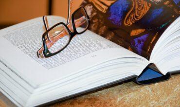Что читать: 7 книг для длинных майских выходных