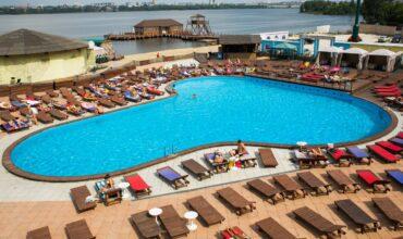Где купаться летом: обзор бассейнов под открытым небом