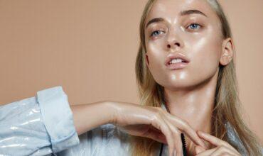 Летняя косметичка: 5 увлажняющих масок для лица с мгновенным эффектом