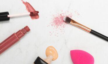 Халяльный крем: зачем производители ставят «продуктовые» маркировки на косметику