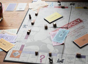 Запусти стартап и спаси мир от чумы: ТОП-10 настольных игр для компании