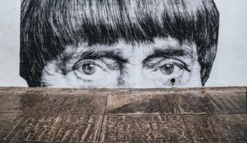 10 объектов неочевидного стрит-арта в Екатеринбурге
