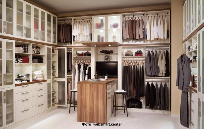 Как самостоятельно разобрать свой гардероб и перевести его в онлайн