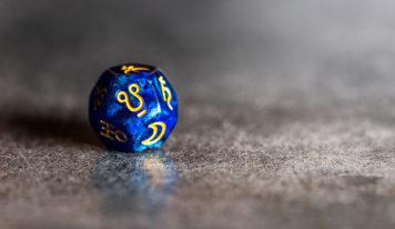 «Звездная карта пообещала мне любовь»: как выбрать астролога