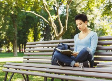 Шах и мат, феминистки: 5 полезных книг о том, как заполучить мужчину мечты