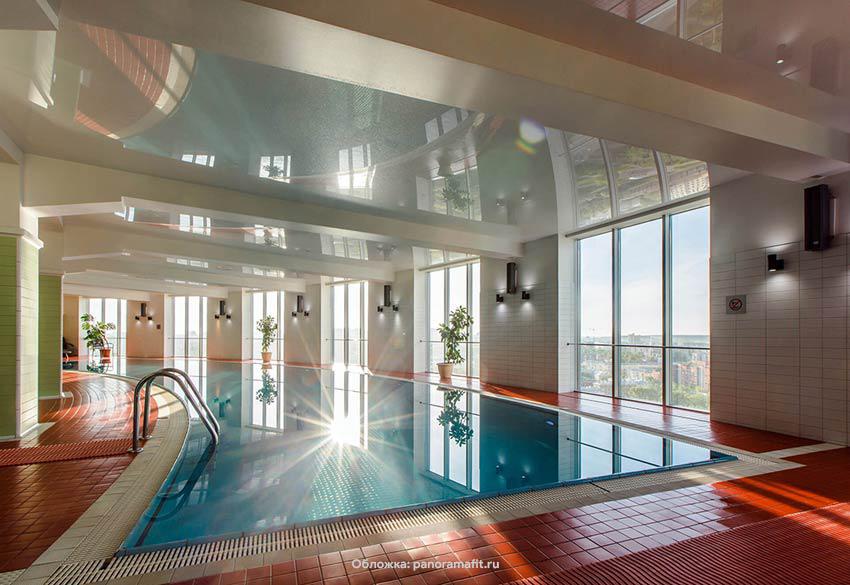 Морская вода и панорама города с 19 этажа: топ-8 бассейнов Екатеринбурга