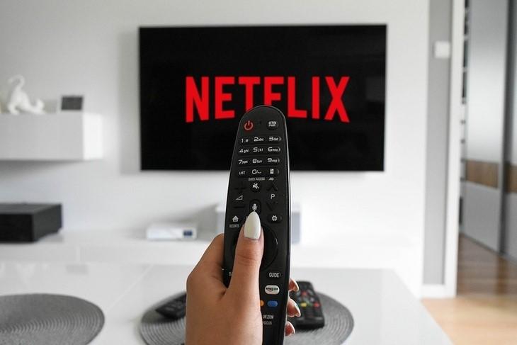 Netflix заговорил по-русски и начал принимать рубли