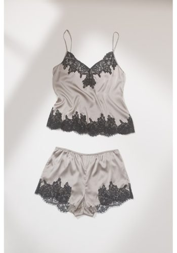 https___bae.hypebeast.com_files_2020_10_zara-lingerie-collection-bras-underwear-21