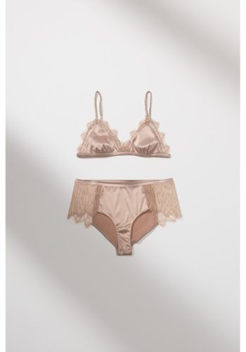 https___bae.hypebeast.com_files_2020_10_zara-lingerie-collection-bras-underwear-29