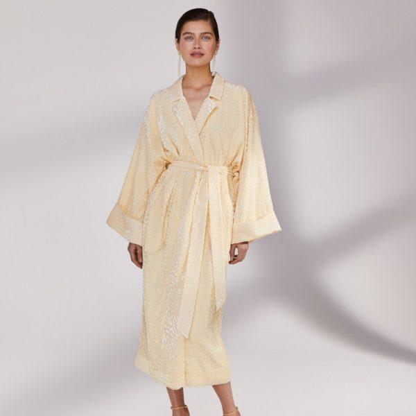 Платье-кимоно 17 980 рублей