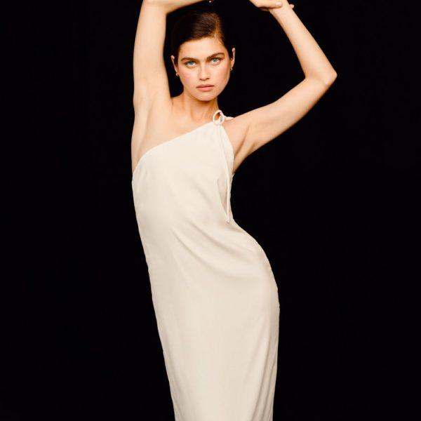 Платье-комбинация на одно плечо 10 980 рублей