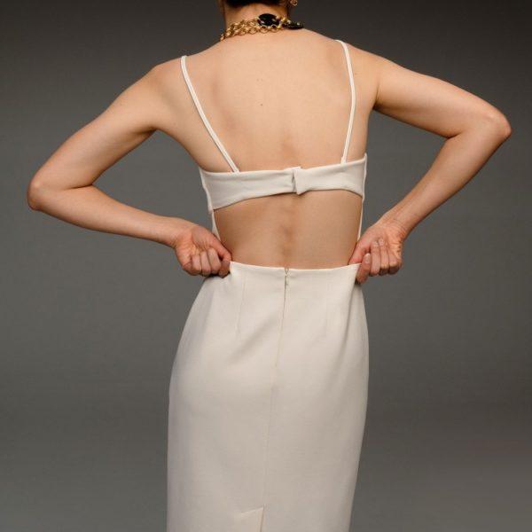 Платье с открытой спиной 11 980 рублей