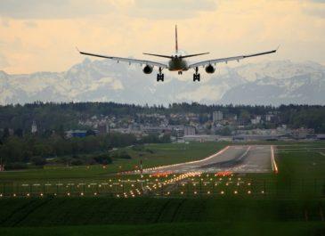 В Кольцово открыли международные авиаперелеты