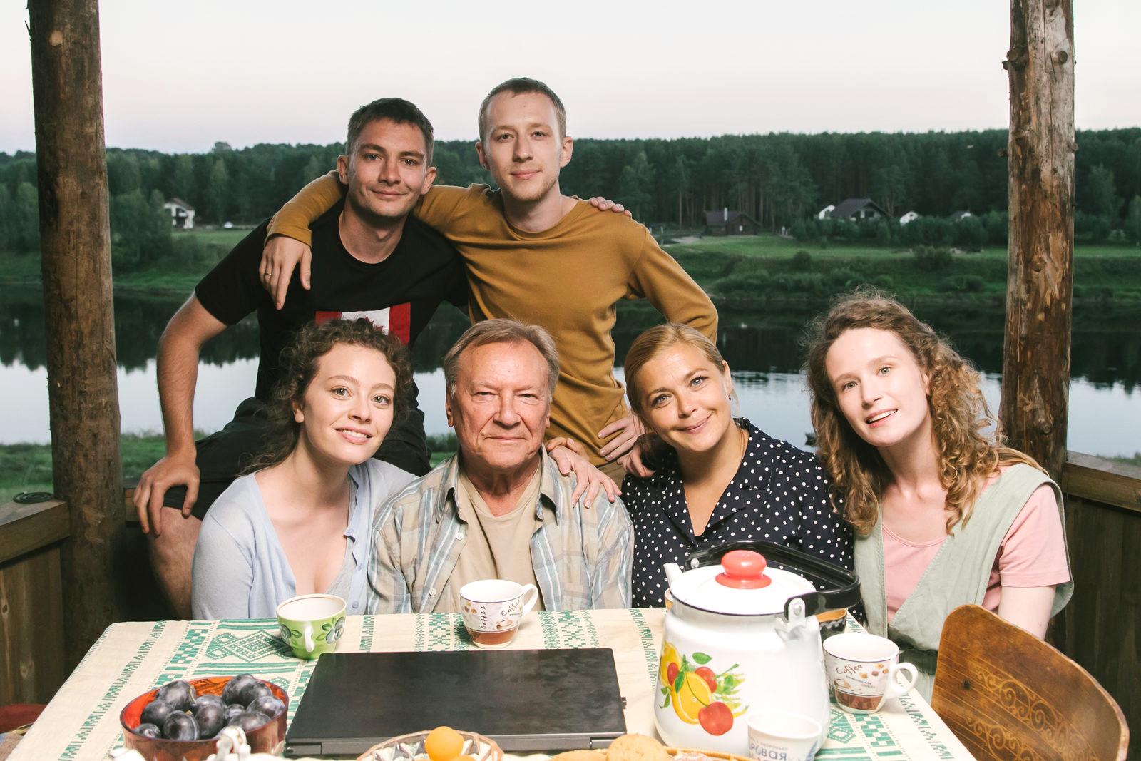 Лиза Монеточка сыграла главную роль в фильме «Родные»