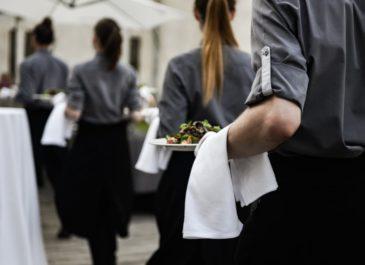 Я туда больше не вернусь: 4 мнения, почему рестораны теряют клиентов