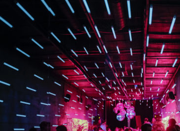 И бар, и театр, и кинозал, и лекторий: в Екатеринбурге открывается клуб-трансформер