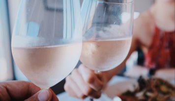 Авторская колонка Евгении Шакуро: как самому выбрать розовое вино