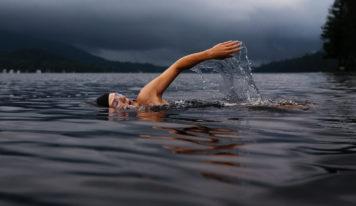 Пересечь водную границу Европы и Азии предложили спортсменам России