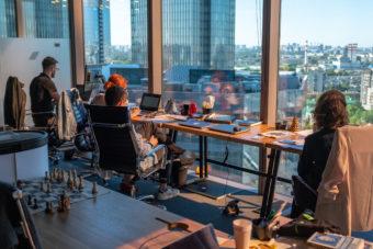 Город для карьеристов: Екатеринбург вошел в пятерку лучших мест для работы
